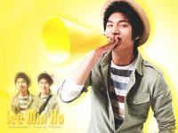 "Lee Min Ho ""Happy in Yellow"""