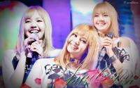 lisa Blackpink  smile
