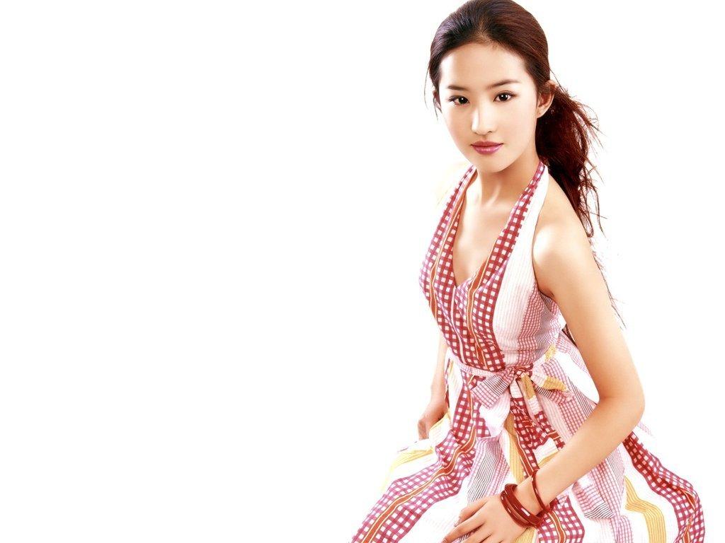 Liu Yifei - Wallpaper Actress