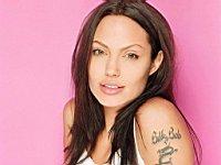 Angelina_Jolie_080014
