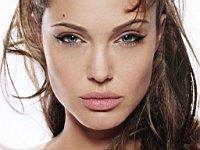 Angelina_Jolie_080019