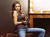 Angelina_Jolie_080025