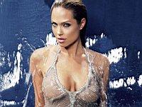 Angelina_Jolie_080035