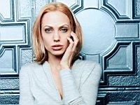 Angelina_Jolie_080037