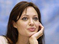Angelina_Jolie_080040