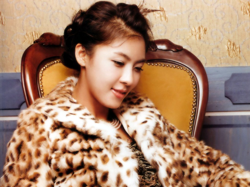 Ha Ji-won - Gallery