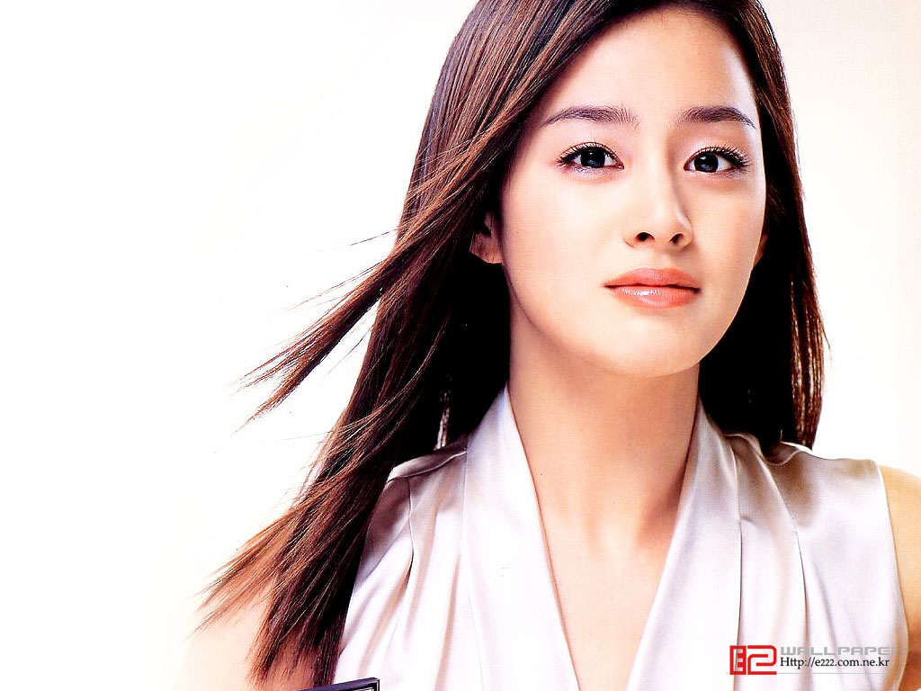 Kim Tae Hee Wallpaper