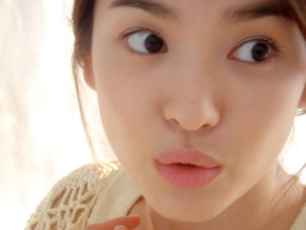 Hye-kyo Song - Wallpaper